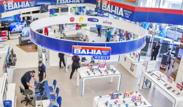 Othon Vela: Com produtos iguais, Casas Bahia e Ponto Frio trabalham jornadas diferentes