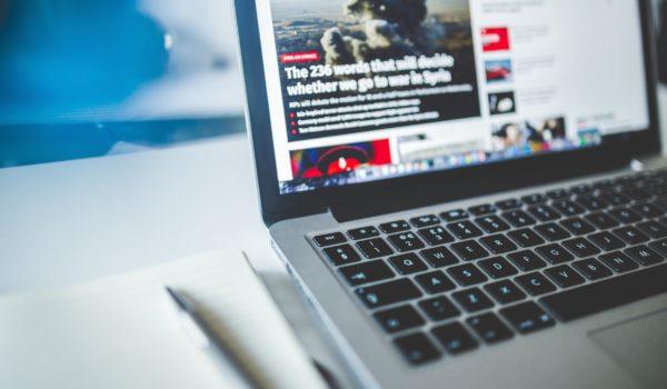 Brand suitability: anúncio em 'má notícia' não afeta imagem de marcas, diz estudo