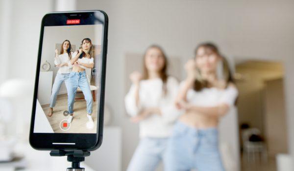 Brasil consome mais social media, e visualização de vídeos sobe 35%